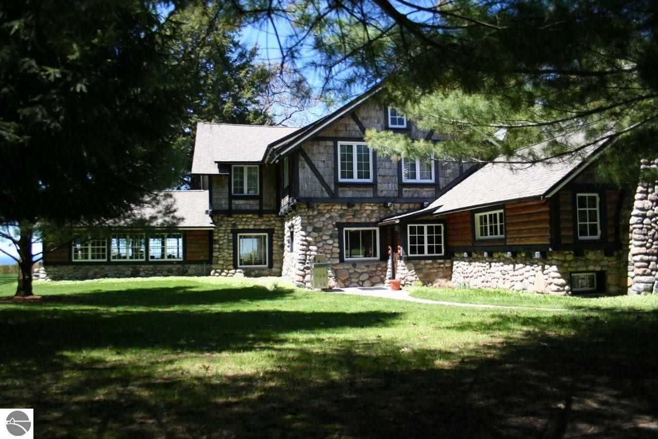 Property for sale at 2841 N Lake Shore Drive, Harbor Springs,  MI 49740